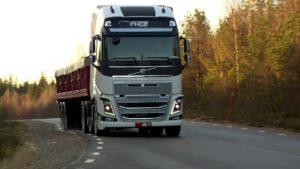 camion descoperit - transport intern materiale de constructii, tevi, etc